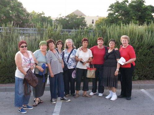 תמונה קבוצתית של מתנדבי שהם